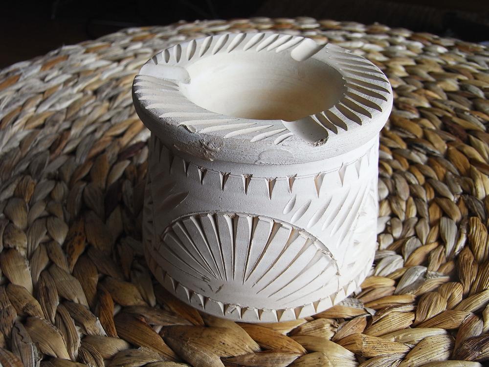 「途中かな、チュニジアの素朴な灰皿」 Dhdaily